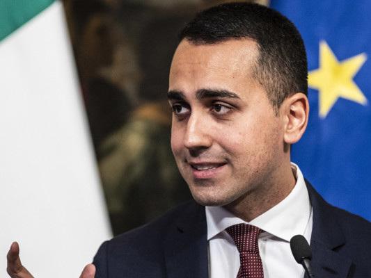 """Di Maio 'corregge' Fitch: """"Il governo non cadrà"""""""