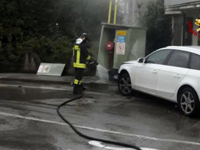 Cornedo, sbanda contro cabina gas: automobilista in ospedale