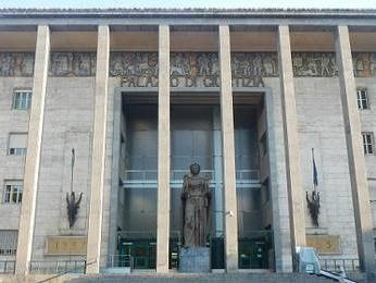 Esami clinici 'ad occhio' per intascare rimborsi, tribunale annulla sospensione medici clinica