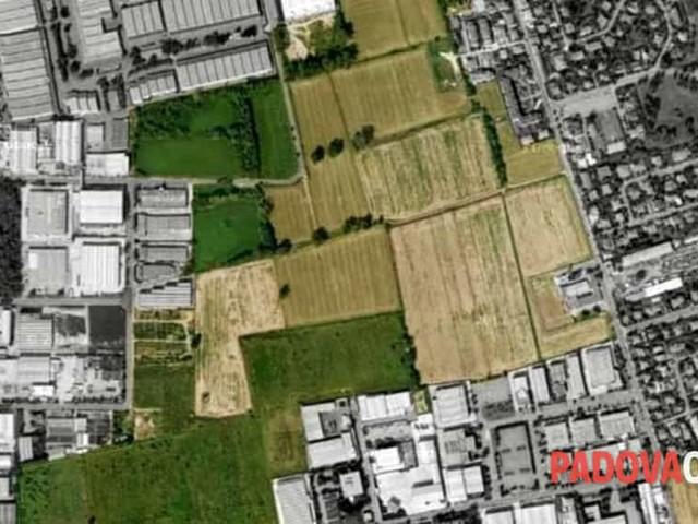 Consumo di suolo: «Sempre più necessario porre un limite al cemento»