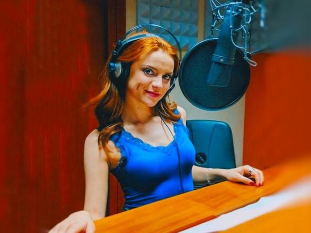 Un posto al sole anticipazioni al 27/9: Anita viene assunta in radio