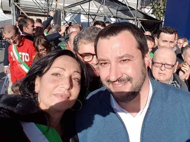 "Disse ""troppi prof di sinistra"", minacce di morte a sindaco Lega"