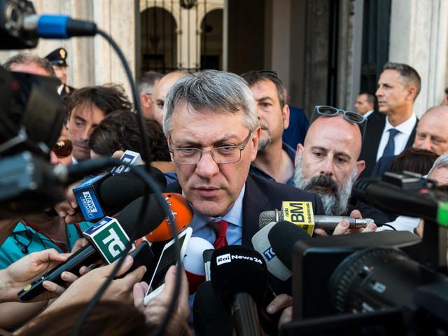 Crisi, Landini: chi governa? Stop ai giochi di palazzo. Calderoli: dietrofront di Salvini? Non vedo margini