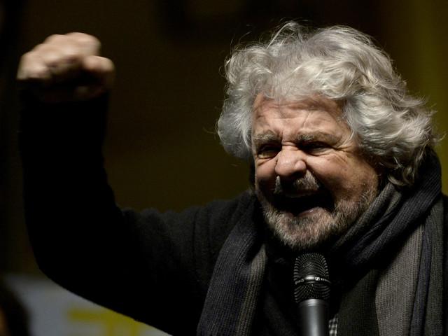 Il folle piano di Grillo: più tasse, meno Pil e reddito a chiunque