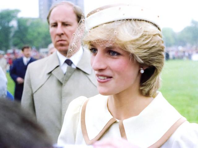 """""""Lady D fu accettata dalla famiglia Reale perché vergine"""""""