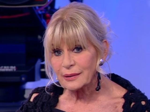 Gemma Galgani mistero messaggi con Mara Venier: vuole lasciare Maria De Filippi?