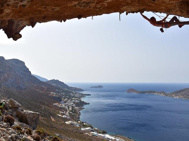 Il blu di Kalymnos e la roccia più amata dai climber