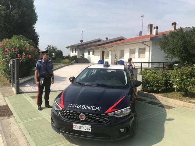 Padova, va a trovare l'ex moglie in: coppia legata e rapinata in villa