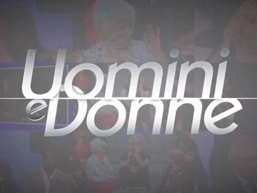 """'Uomini e Donne', una coppia del 'Trono Over' annuncia: """"Ci sposiamo!"""""""
