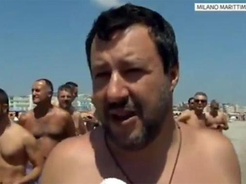 Salvini, Rettore tollera illegalità?