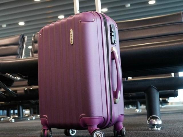Turista rientra con la valigia alleggerita... dalla compagnia aerea. Sarà risarcita
