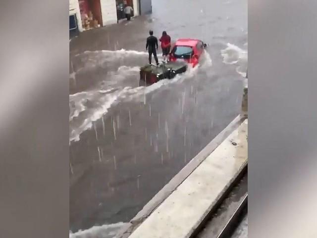 Alluvione a Catania, strade allagate | video