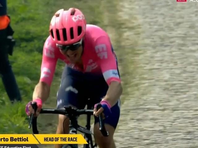 Il Giro delle Fiandre torna in Italia, impresa di Alberto Bettiol