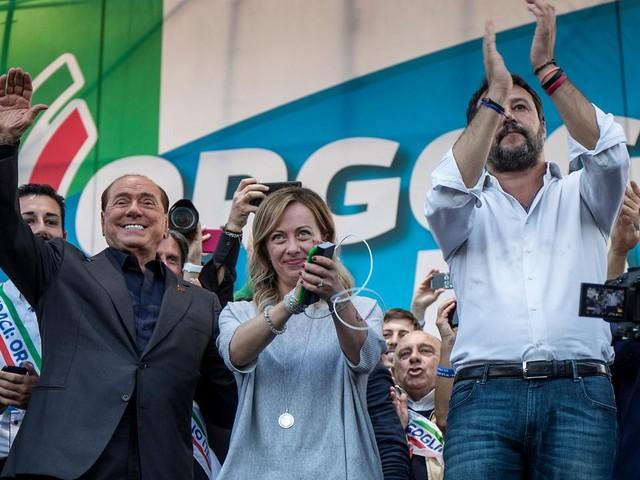 Manifestazione del centro-destra a Roma, è nata la coalizione personale di Salvini