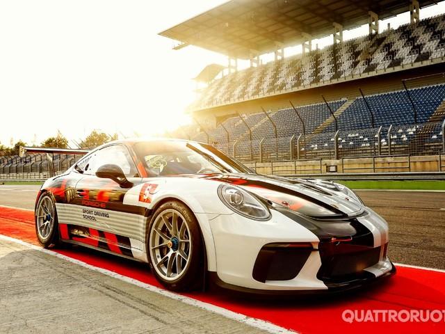 Porsche 911 RSR, GT3 R e GT3 Cup - La prima volta su un'auto da corsa - VIDEO