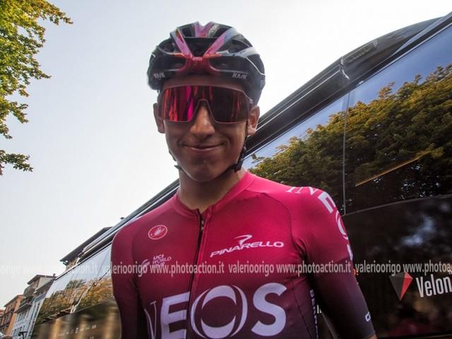 """Ciclismo, Egan Bernal: """"Mi piace il percorso, ma deciderà la squadra se andrò al Giro o al Tour"""""""