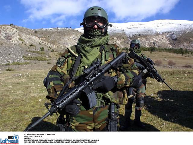 """Cos'è il 9° Reggimento d'Assalto Paracadutisti """"Col Moschin"""""""