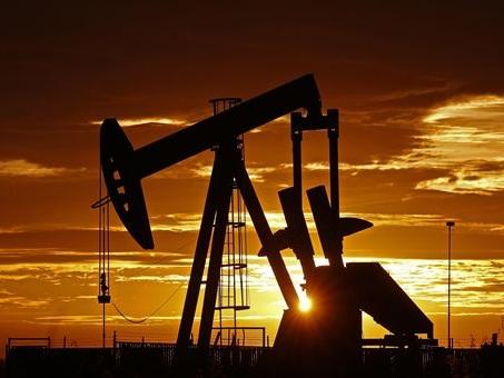 Opec+, mancato accordo su rinvio dell'aumento della produzione: petrolio in rialzo
