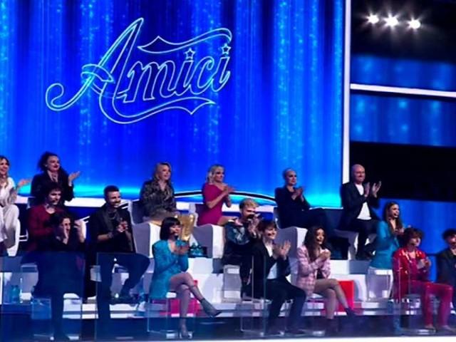 Amici 2021 serale ed.20, finale/ Diretta e vincitore: Deddy, Sangiovanni, Aka7even, Giulia e Alessandro
