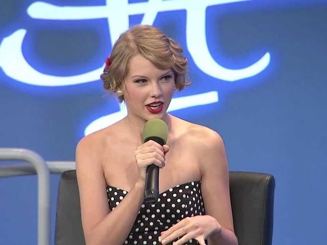 """Taylor Swift fa appello ai suoi fan: """"Aiutatemi a riavere le mie canzoni"""""""