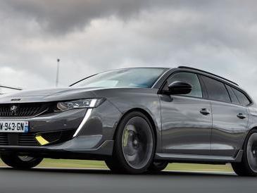Peugeot 508 Pse, supersportiva e ibrida ricaricabile a caccia delle prestazioni