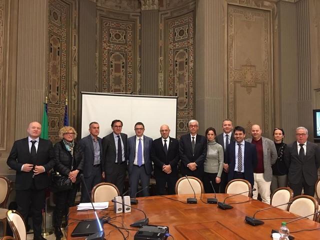 Fugatti dal ministro Boccia conferma gli aiuti trentini per i «Comuni confinanti»