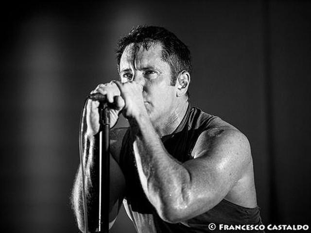 Nine Inch Nails: dal vivo il nuovo brano 'Ahead of Ourselves' e una cover dei Joy Division – VIDEO