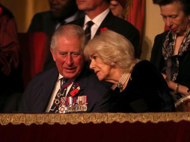 Sorpresa romantica di Camilla per il compleanno di Carlo