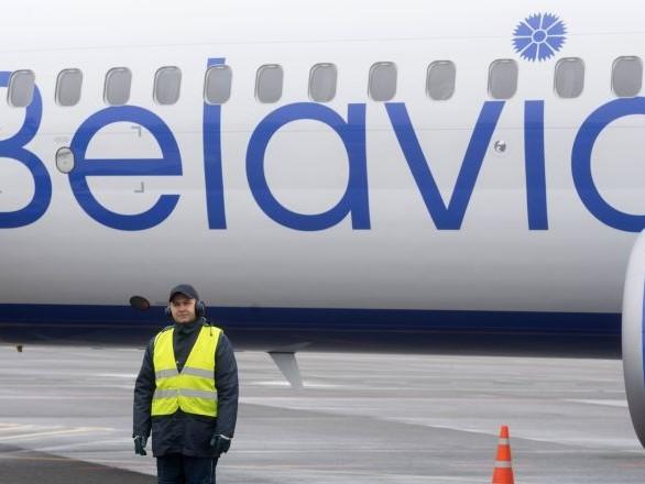 Ospiti sgraditi a bordo? Atterraggio d'emergenza per far scendere 6 passeggeri dal volo Minsk-Monaco