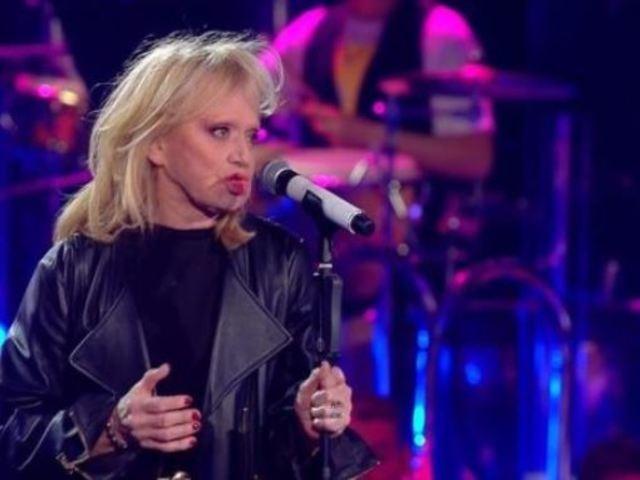 Rita Pavone: la dichiarazione d'amore in diretta al marito a Sanremo Young