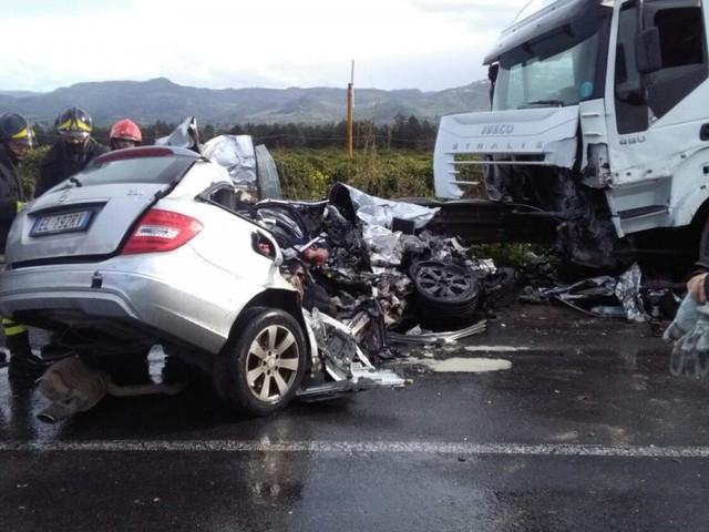Abruzzo: tre diversi incidenti stradali provocano in tutto sei vittime