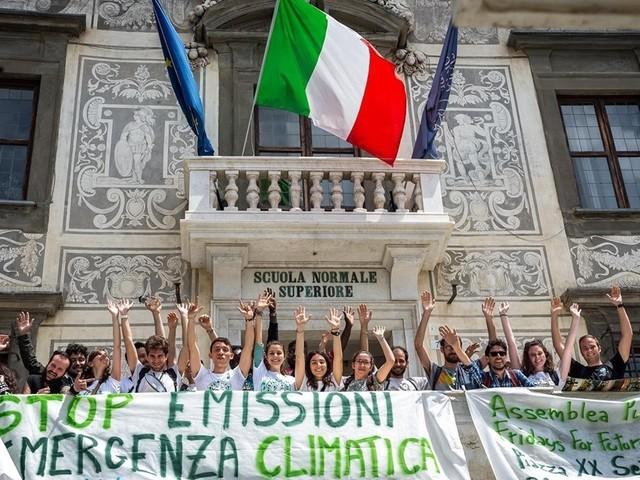 Fridays For Future Pisa: «Studenti, professori e lavoratori, il 27 settembre scendete in piazza con noi per il futuro»