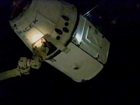 Il cargo spaziale Dragon di SpaceX ha raggiunto la Stazione Spaziale Internazionale nella sua missione CRS-19