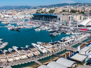 Fra ammiraglie e stand galleggiantia Genova si apre il Salone Nautico che ha resistito alla «tempesta» del Covid
