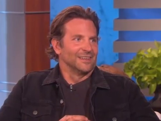 Bradley Cooper e Laura Dern avvistati insieme a New York, flirt in corso?