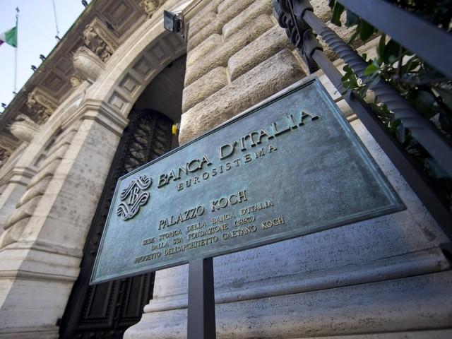 """Covid, Bankitalia: """"Crollano consumi e redditi. Balza il risparmio degli italiani"""""""