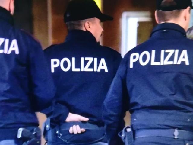 Milano, ciclista aggredito con una chiave svita bulloni: tre persone arrestate