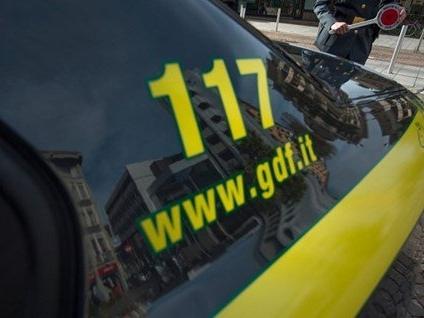 """Guardia di Finanza : scoperti a Ladispoli 14 lavoratori """"in nero"""" ed irregolari impiegati in un agriturismo."""