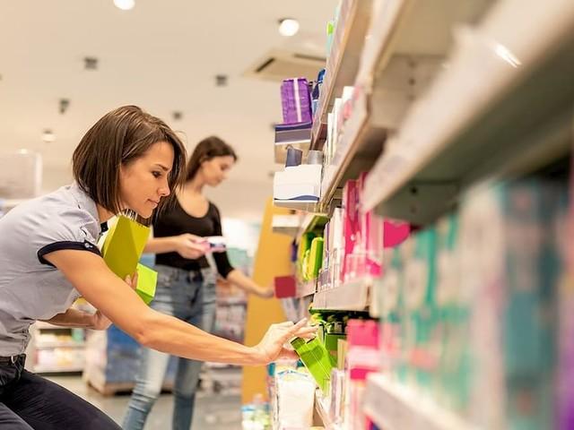 Guardistallo (Pisa), il sindaco sconta l'Iva sugli assorbenti in farmacia