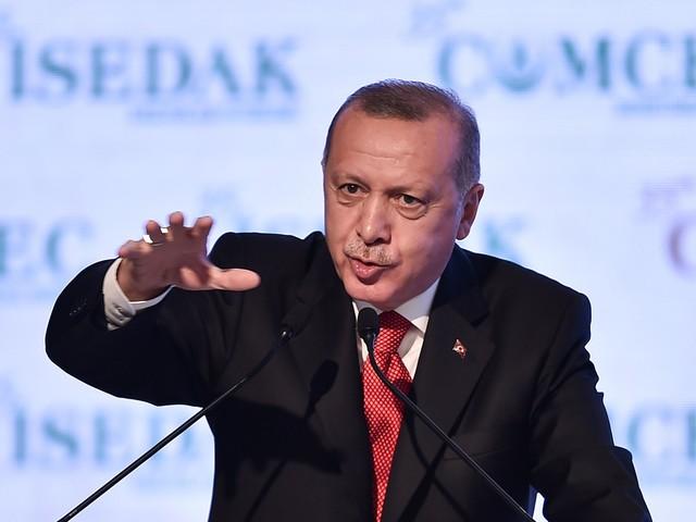 Nato, in scena la crisi del 70esimo anno Scintille Macron-Trump su Erdogan e quote
