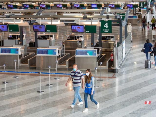 Covid, scatta l'allarme per le varianti: nuova stretta ai viaggi nell'Ue