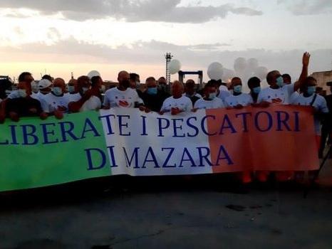 "Pescherecci sequestrati in Libia, l'ambasciatore: ""I nostri marittimi stanno bene"""