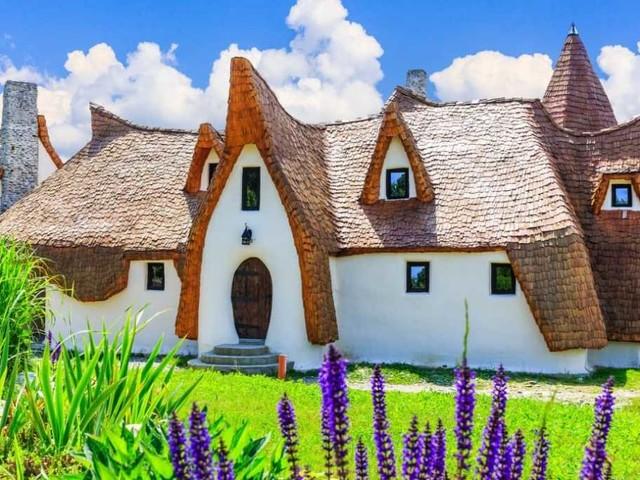 Castelul de Lut, il castello delle fate nel cuore della Romania