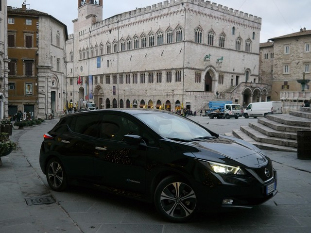 Nissan Leaf, l'elettrica si fa strada