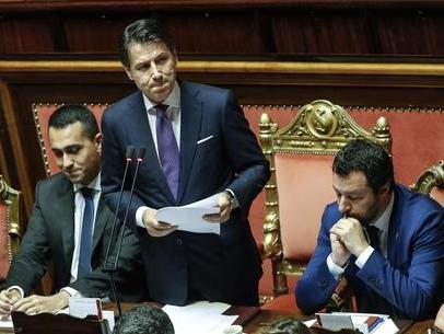 Crisi, si naviga a vista Tutti in attesa di Conte Nodo Renzi su M5s-Pd