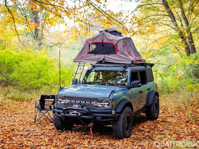 Ford Bronco - La variante Overland è pensata per le escursioni e le gite fuori porta