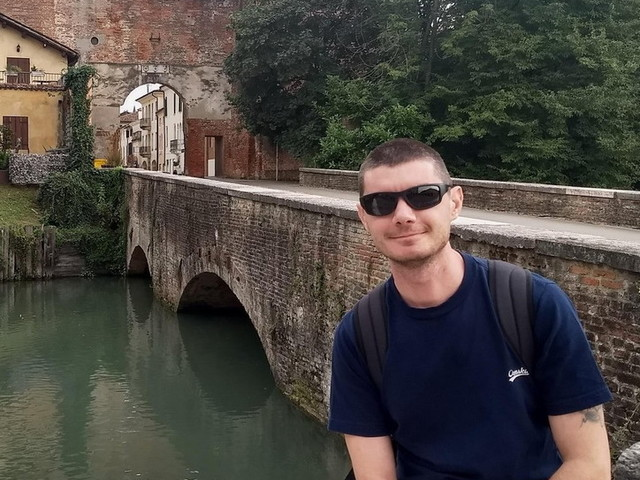 Vicenza, due paracaduti si agganciano in volo: un morto e un ferito