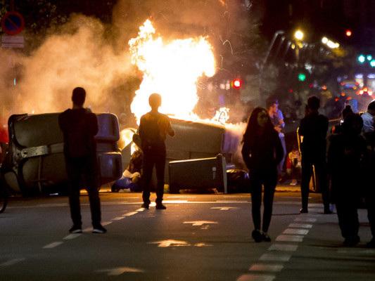 La protesta in Catalogna sta diventando sempre più violenta