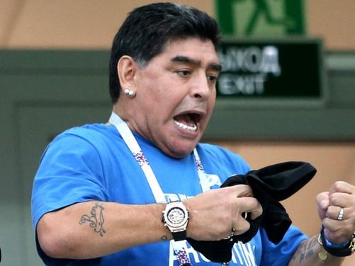"""Domenica Live, intervista alla figlia di Diego Armando Maradona: """"Ha chiesto perdono a me e mia madre"""""""