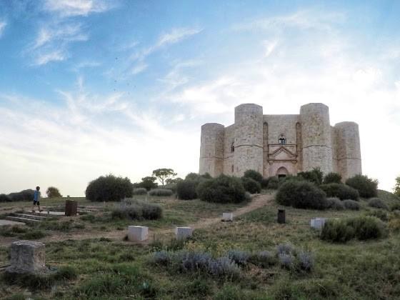 In visita a Castel del Monte, patrimonio Unesco e meraviglia della Puglia
